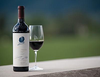 Bouteille et verre de vin